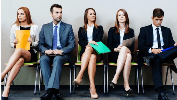 Arrumando emprego na crise: dilemas e estratégias